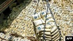 طی سه ماه نخست سال، بهای هر تن برنج دو برابر شده و نشريات تخصصی از خطر کمبود اين محصول در سال جاری ميلادی سخن می گويند.(عکس: AFP)