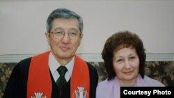 Пастор Бахтжан Кашкумбаев с женой Альфией. Фото из семейного архива.