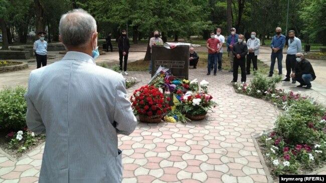 Закладной камень памятника жертвам депортации крымских татар в Симферополе