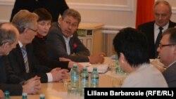 Liderii liberali la consultările cu şeful statului