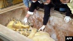 Саркофаг Тутанхамона. Луксор, январь 2015 г.