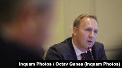 Ministrul Victor Costache nu a fost prezent la ședința de Guvern de marți seara, când s-a adoptat ordonanța de urgență privind liberalizarea programelor naționale de sănătate