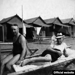 Siegfried Wagner cu Henry Thode, pe plaja Lido, Veneția