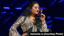 Анита – харизматична и страстна, как и ее любимая Кармен. Без арий из этой оперы не обходится практически ни один ее концерт