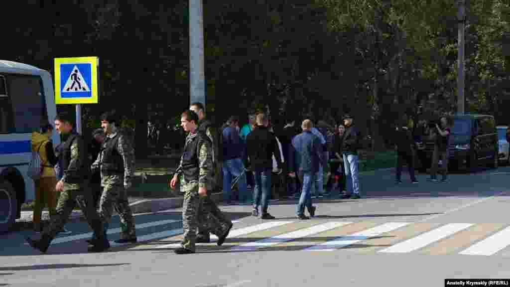 Репортерам запретили снимать место трагедии даже с ближайшего тротуара