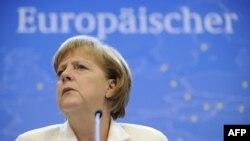 Angela Merkel na konferenciji za novinare u Briselu, 29. jun 2012.
