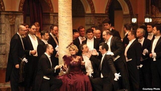Scena iz operete Vesela udovica