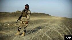 Војник на границата на Авганистан
