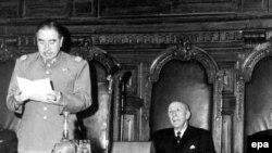 آگوستو پینوشه (چپ)، دیکتاتور سابق شیلی