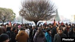 Armenia - People protest against consumer price hikes in Yerevan, 19Dec2014