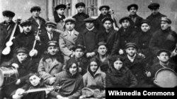 Üzeyir Hacıbəyovun yaratdığı ilk Azərbaycan Musiqi Orkestri, 1932-ci il.