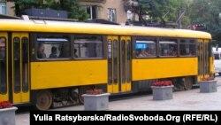 Експериментальний трамвай з Дрездена курсує Дніпропетровськом, вересень 2012 року