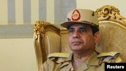 عبدالفتاح السیسی وزیر دفاع و فرمانده کل نیروهای مسلح مصر