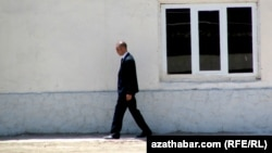 Türkmenistanyň howpsuzlyk gullugynyň işgäri
