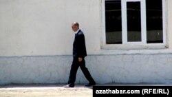 Türkmenistan: Welaýatlaryň arasyndaky barlag nokatlarynda howpsuzlyk güýçlendirildi