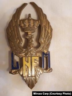 """Mândria """"șoimilor"""" mănăstireni, insigna de """"șoim"""", Liceul Militar Nicolae Filipescu de la Mănăstirea Dealu."""