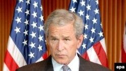 جرج بوش، از تلاش رییس جمهوری پاکستان در مقابله با اسلامگرایی افراطی تقدیر کرد