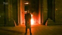 Moskvada Federal Təhlükəsizlik Xidmətinin qapısı yandırılıb