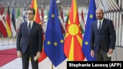 Македонскиот претседател на Стево Пендаровски со претседателот на Европскиот совет Шарл Мишел, Брисел, 27 април 2021 година