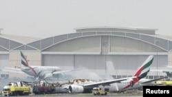 Сгоревший самолет в аэропорту Дубая (3 августа 2016 года)