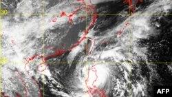 Филиппиннің солтүстік бөлігіне таяп келе жатқан Меги дауылының ғарыштан түсірілген көрінісі. 18 желтоқсан 2010 жыл. (Көрнекі сурет).
