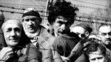 Освенцим (тағы бір атауы - Аушвиц-Биркенау) концлагеріндегі тұтқындар.