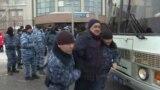 Задержания людей, которые потребовали объяснений в связи со смертью Дулата Агадила. Нур-Султан, 25 февраля 2020 года.