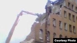 Многие жители Петербурга считают, что появление денег в городе только ускорило его уничтожение
