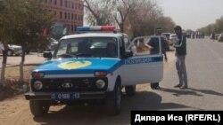 Полицейский автомобиль в Туркестанской области.