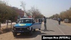 Түркістан облысындағы полиция көлігі (Көрнекі сурет).