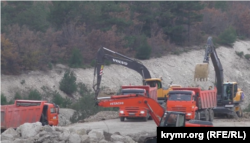 Вирубка дерев біля Севастополя для будівництва траси Таврида