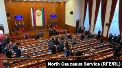 На сессии парламента