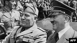 Benito Musolini me Adolf Hitlerin