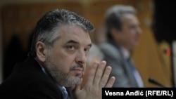 Ako političari žele da ubrzaju dijalog, potrebno je da javnosti iskreno saopšte šta je na stolu: Joanis Armakolas