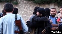 Сириядагы казакстандык жихадчылар. (Ютуб сайтынан алынган скриншот)