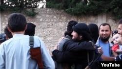 """Одни из персонажей видео о """"казахских джихадистах в Сирии""""."""