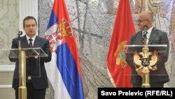 Ivica Dačić prilikom susreta sa crnogorskim ministrom inostranih poslova Srđanom Darmanovićem, u Podgorici 16. januara 2018. godine