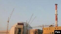 مقامات روسی می گویند: نيروگاه اتمی بوشهر زودتر از پاييز سال ۲۰۰۸ نمی تواند راه اندازی شود.