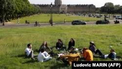 Parisi pas lehtësimit të masave kundër pandemisë