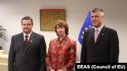 Catherine Ashton, Hashim Thaci və Ivica Dacic