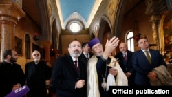 Italy -- Armenian Prime Minister Nikol Pashinian visits an Armenian Catholic monastery on San Lazzaro island near Venice, Novemer 20, 2019.