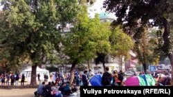 Беженцы в Белграде, сентябрь 2015 года.