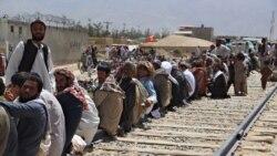 'د افغان کډوالو پر سر سیاست مه کوئ'