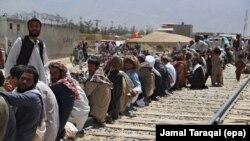 بلخي: شااوخوا يو نيم میليون هغو افغان کډوالو ته دې هم پام واړول شي چې په پاکستان کې د استوګنې اسناد نهلري.