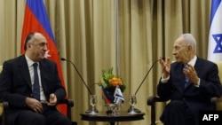Азербеџанскиот министер за надворешни работи Елмар Мамадиаров и израелскиот претседател Шимон Перез