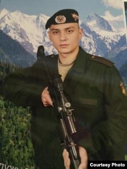 Илья Горбунов в Кантемировской дивизии прослужил всего три месяца