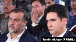 قادر حبیب رئیس رادیو آزادی (راست) و صدیق الله توحیدی مسئول بخش دادخواهی کمیته مصونیت خبرنگاران در جریان مراسم یادبود از سالروز کشته شدن ۹ خبرنگار در کابل. April 30 2019