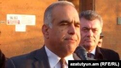 Րաֆֆի Հովհաննիսյանը ընտրողների հետ հանդիպում է անցկացնում Աշտարակում: