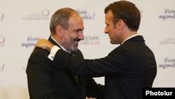 Հայաստանի վարչապետը և Ֆրանսիայի նախագահը հանդիպում են Երևանում, հոկտեմբեր, 2018թ.