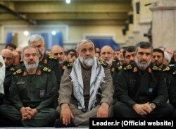 از راست: امیرعلی حاجیزاده، محمدرضا نقدی و علی فدوی در دیدار فرماندهان سپاه با آیتالله خامنهای